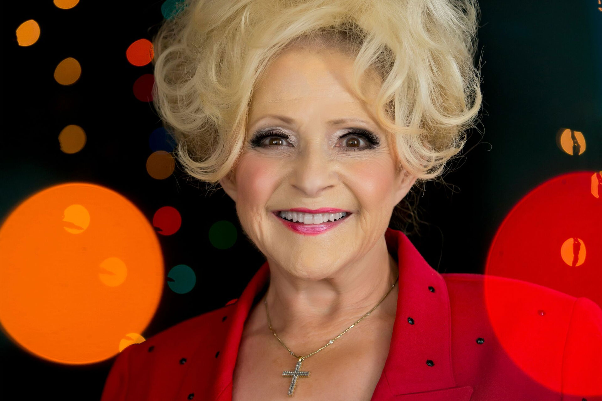 The 76-year old daughter of father (?) and mother(?) Brenda Lee in 2021 photo. Brenda Lee earned a  million dollar salary - leaving the net worth at  million in 2021