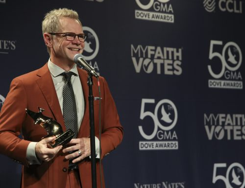 Steven Curtis Chapman Wins 59th GMA Dove Award for Deeper Roots: Where The Bluegrass Grows