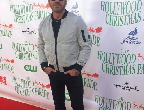 "PHIL VASSAR PERFORMS ""SANTA'S GONE HOLLYWOOD"" TONIGHT ON THE HOLLYWOOD CHRISTMAS PARADE"
